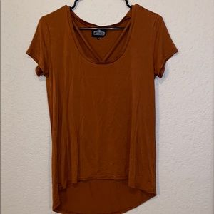 Tops - Basic shirt with detail